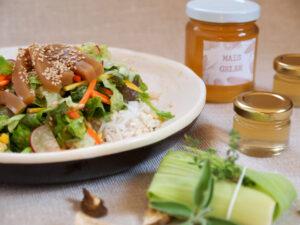 Steinpilzmuk mit Shiso auf Reis und Mischsalat (Foto: Sarah. 2021)